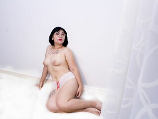 taniachang camshow cam nude