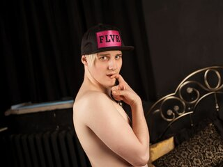 CutieEdward naked real live